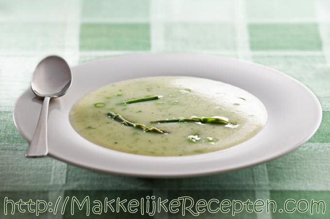 Groene asperge soep